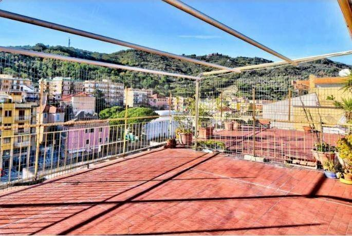 Apartment with panoramic terrace – Finale Ligure, Liguria