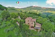 Farmhouse for sale in MONTEPULCIANO (SI)