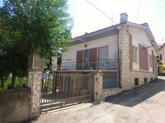 House for sale in SANT'OMERO (TE)