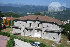House for sale in ROCCASICURA (IS)