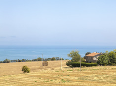 3 bedroom country house, 270 m²