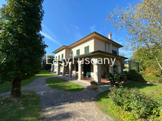 House for sale in CAPANNORI (LU)